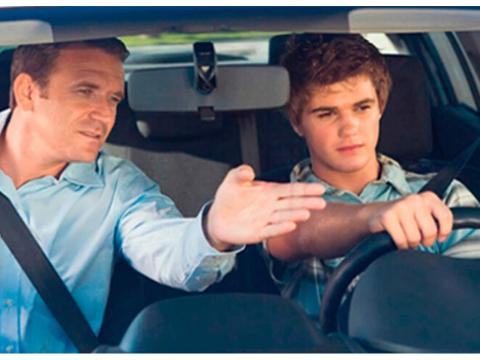 enseñando a manejar